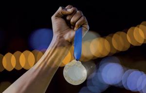 imagen-medalla-articulo-managament-y-alto-rendimiento-revista-inalde-business-school