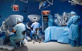 robot-da-vinci-articulo-esteban-lizarazo-innovacion-en-salud-revista-55-inalde-business-school